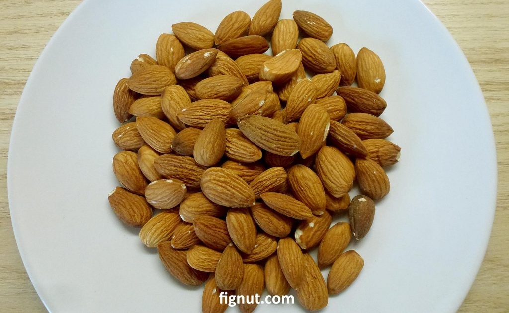 almond kernels or nuts