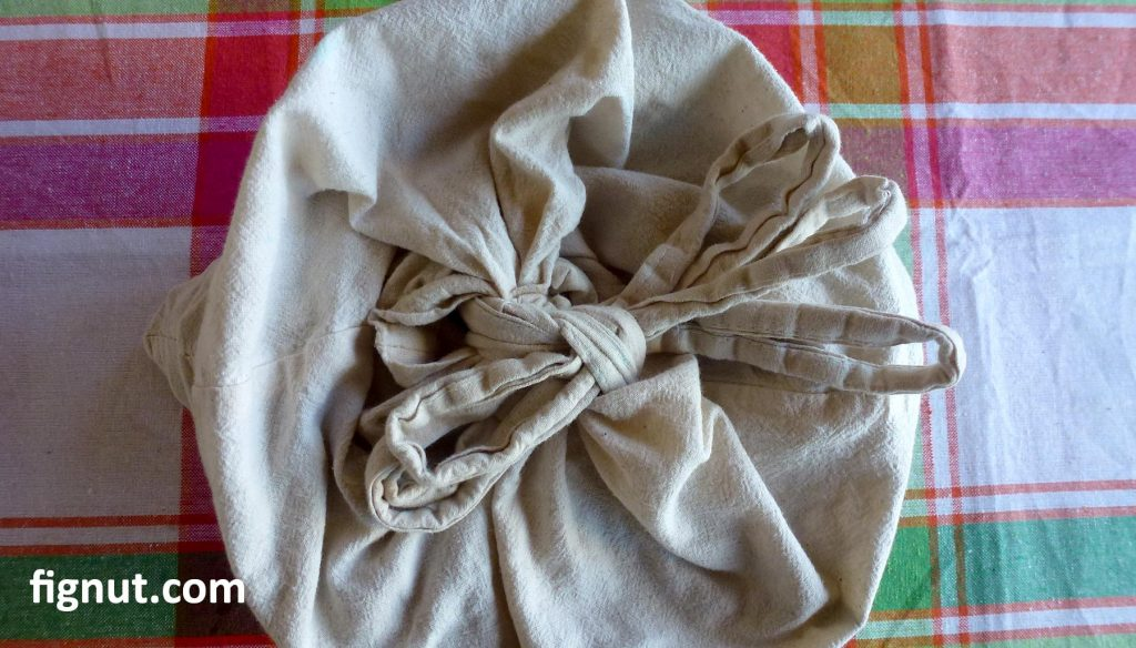 Cotton bag for dried figs